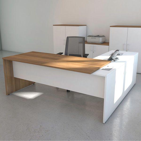 Executive radial desk