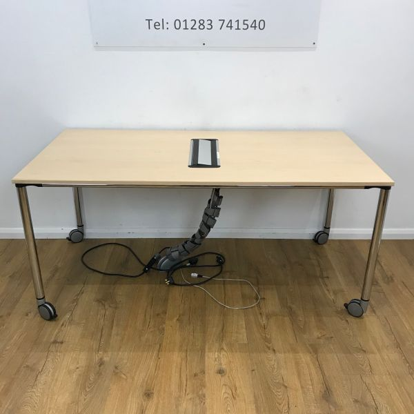 Recycled Maple Mobile Meeting 1600x1600mm Table