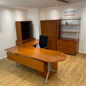 Cherry Executive Desk Set